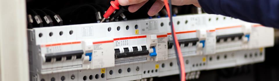 elektrotechniek spanning in groepenkast