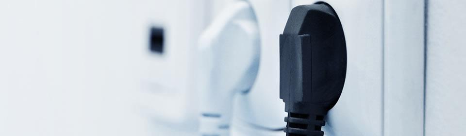 Zwart witte stopcontacten in muur